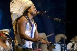 Carlinhos Brown : Auteur compositeur natif de Bahia.